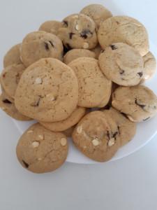 2 plat de cookies choco noir et blanc